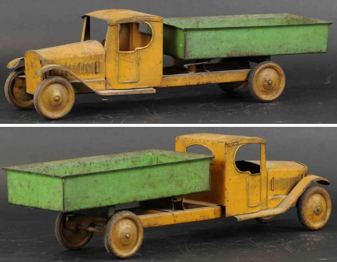 steelcraft tin toy dump truck tan green