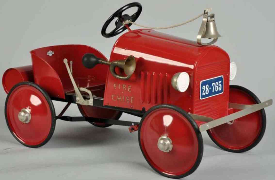 steelcraft pressed steel toy fire chief pedal car red