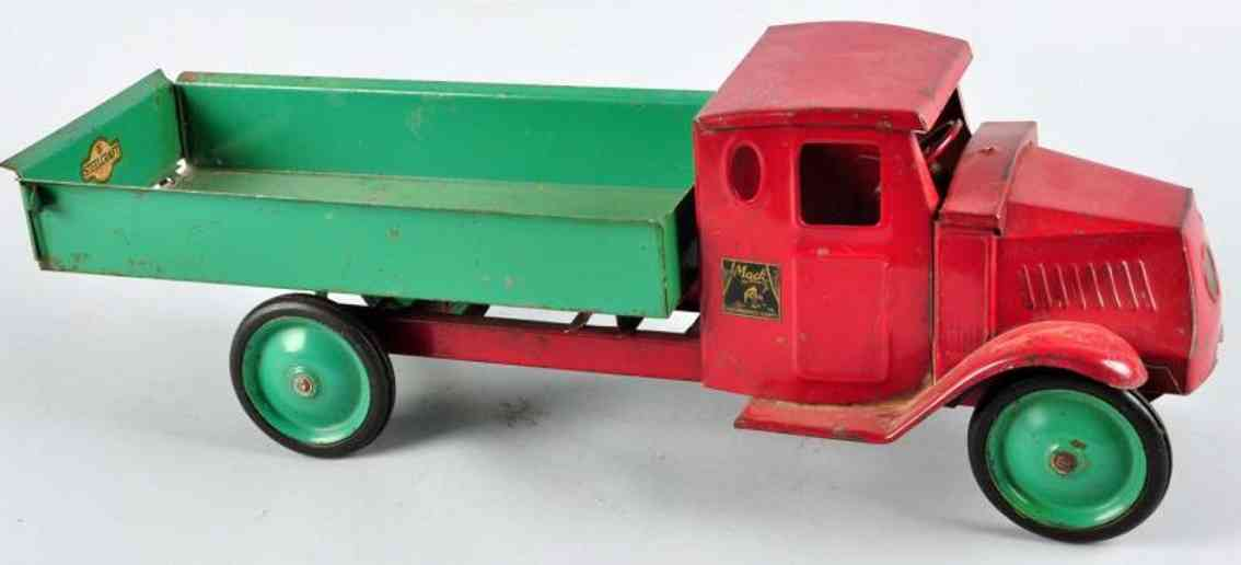 steelcraft pressed steel toy mack dump truck mack red green