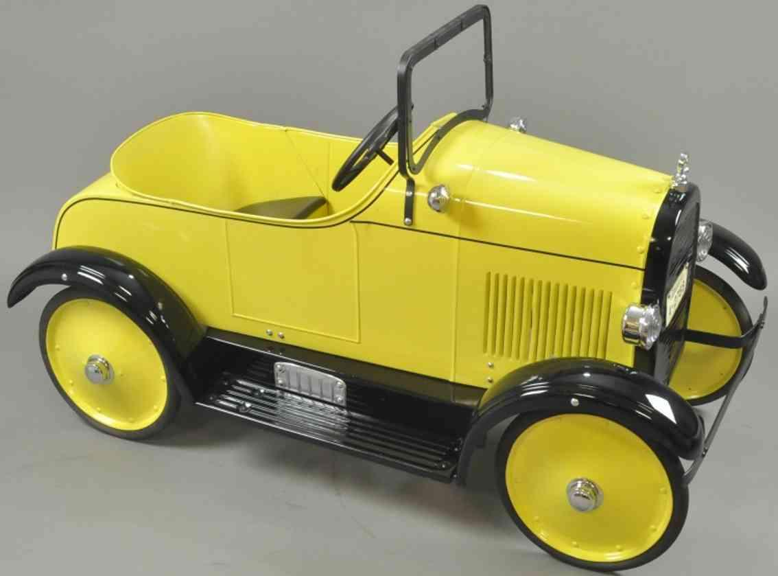 steelcraft spielzeug stutz tretauto stahlblech gelb schwarz