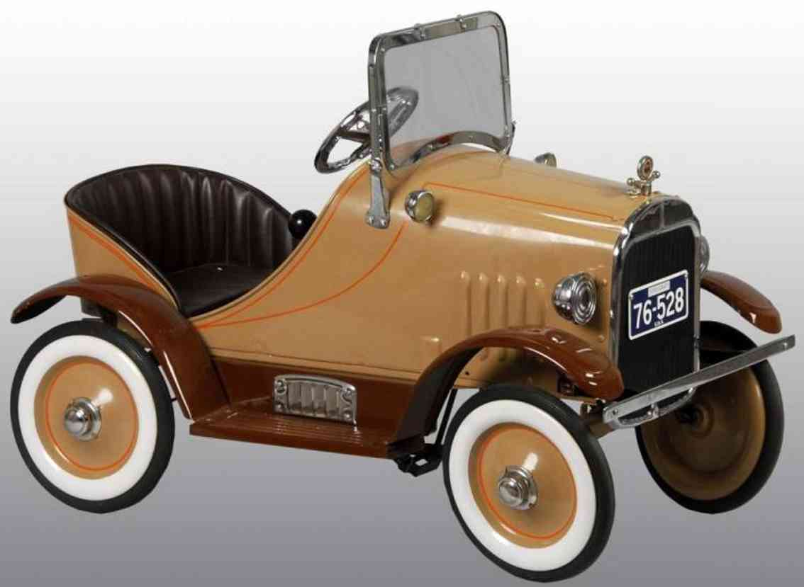 steelcraft pressed steel toy essex pedal car