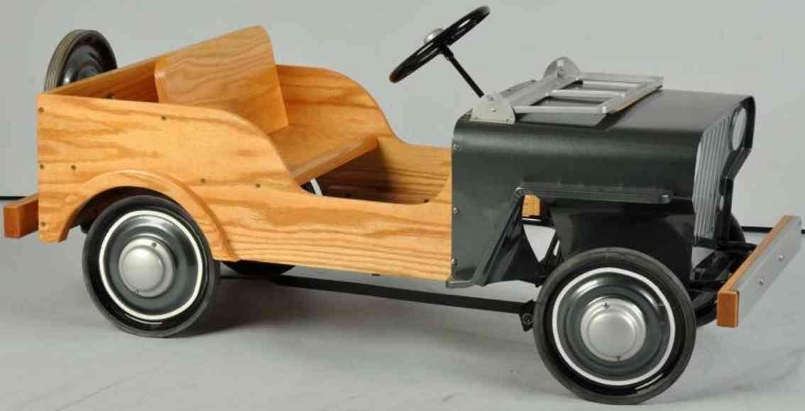 Steiger Woody Jeep pedal car pressed steel