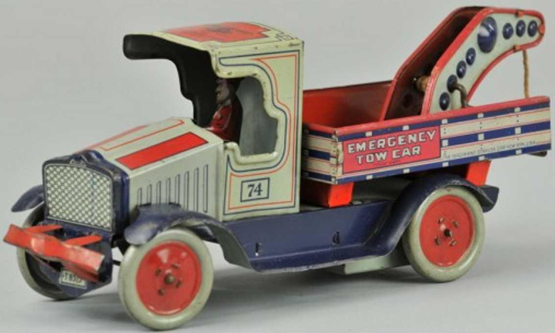 Strauss 74 Emergency tow truck
