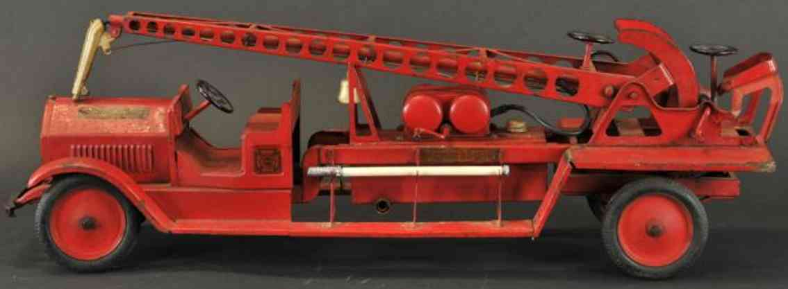 sturditoy 9 pressed steel toy fire engine water tower