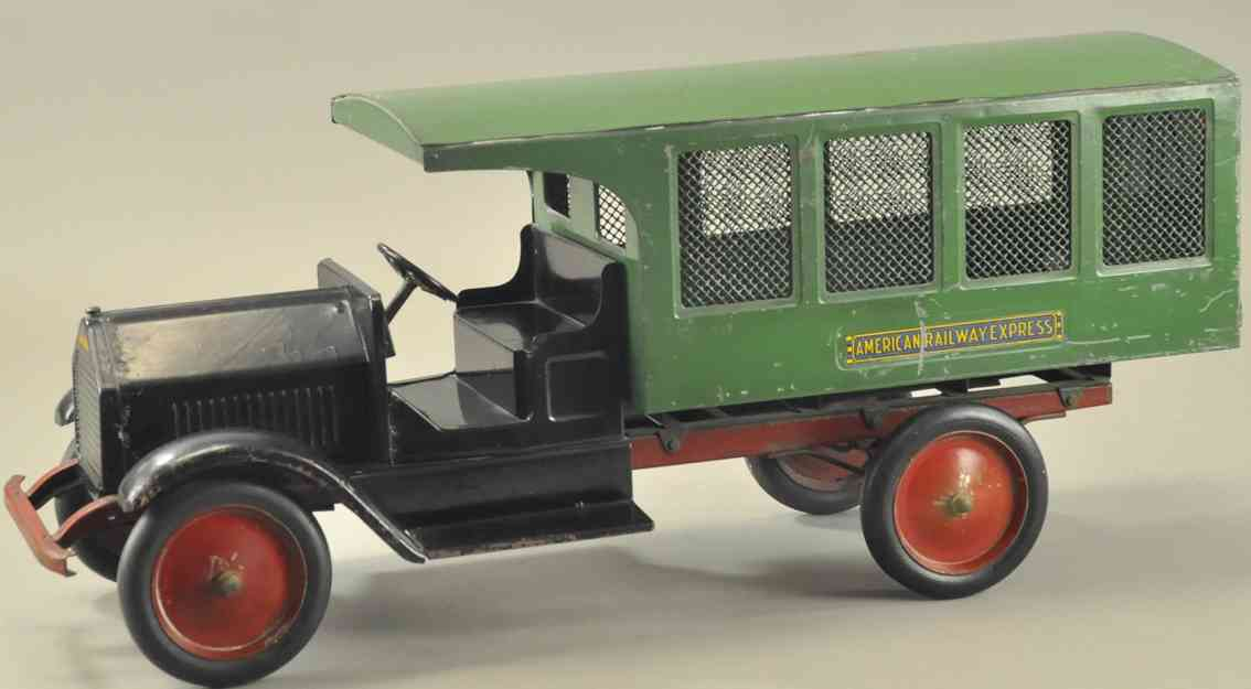 sturditoy  pressed steel toy american railway express truck green
