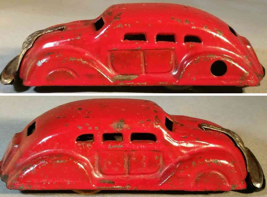 tagai shoten tin toy airflow sedan clockwork wonder car red