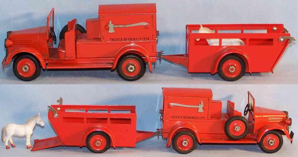 Tekno 402 / 494 Feuerwehrwagen mit Pferdeanhänger