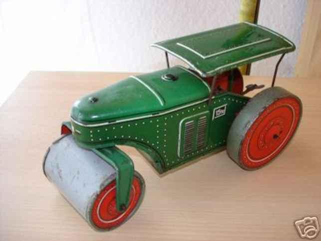 tippco 610 tin toy street roller green grey clockwork
