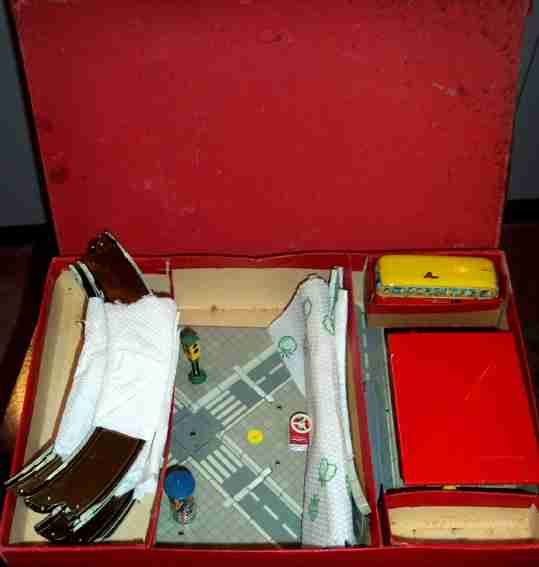 tippco 747 tin toy highway motorway with bus and van, traffic crossing, traffic light,