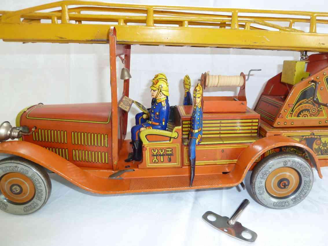 tippco 9590 tin toy fire engine 4 men crew