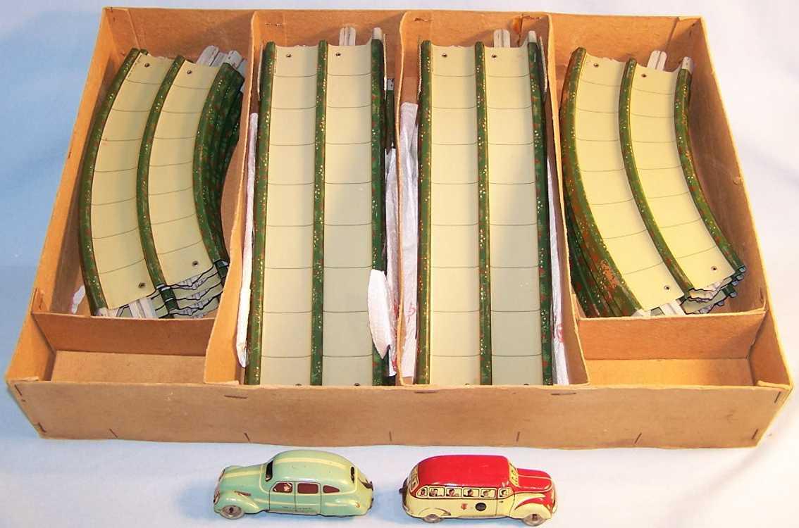 tippco blech spielzeug autobahn strassenbaukasten mit 2 autos, in grün, rot, gelb und türkis