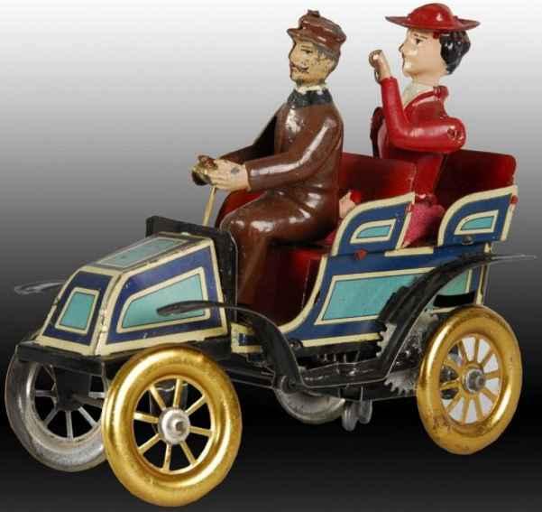 Oldtimer Auto mit Frau als Passagier