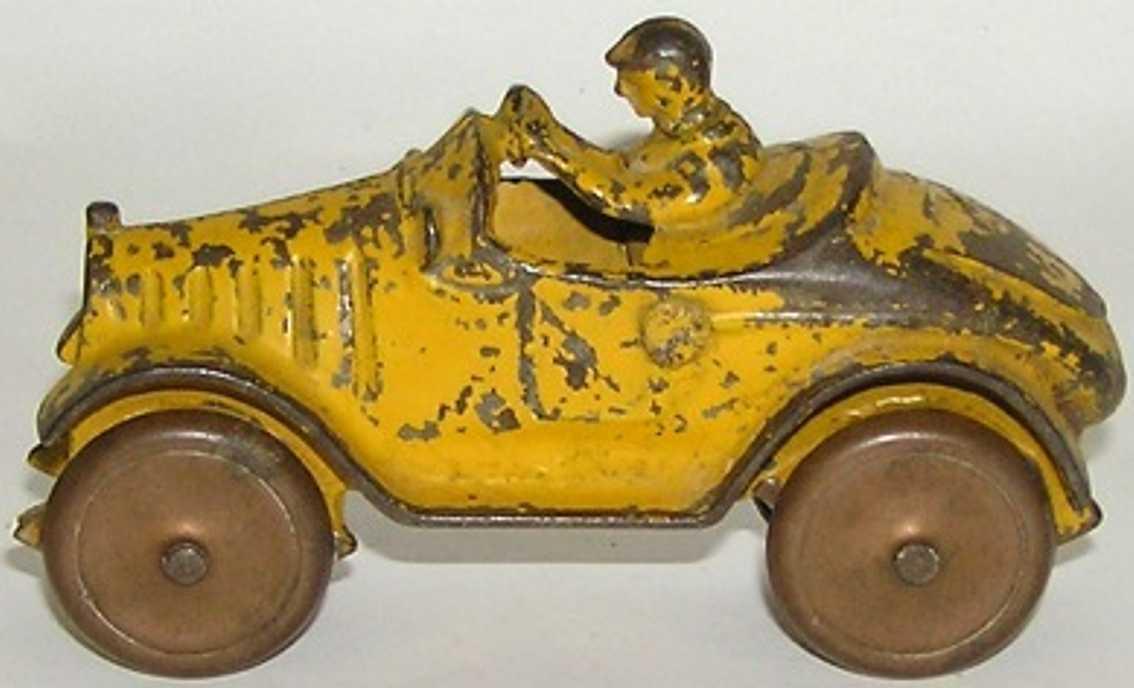 walker-stewart spielzeug gusseisen auto gelber rennwagen mit verkupferten rädern aus gepreßtem stahl