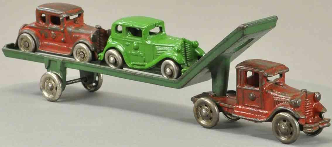 williams ac spielzeug gusseisen autotransportwagen zwei autos gruen rot