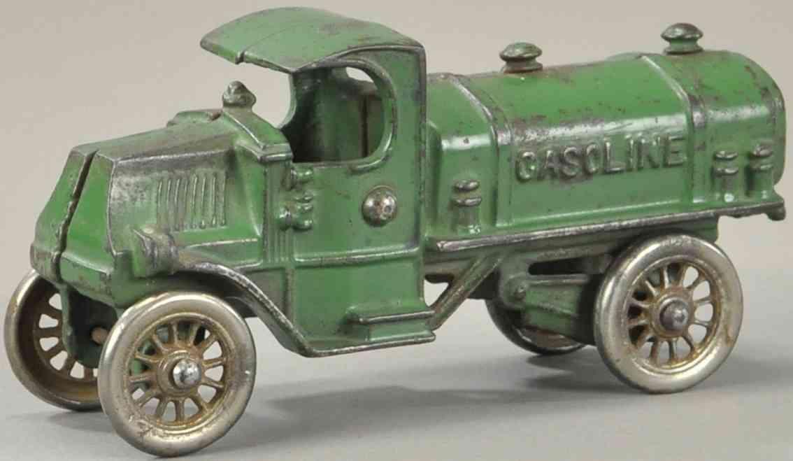 williams ac spielzeug gusseisen  tankwagen gruen gasoline