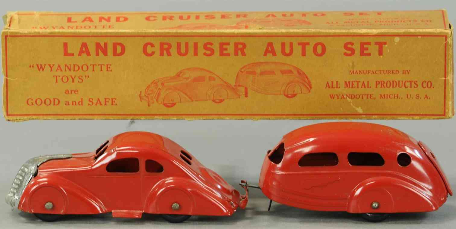 wyandotte 341 tin toy car pressed steel automobile and trailer set in red