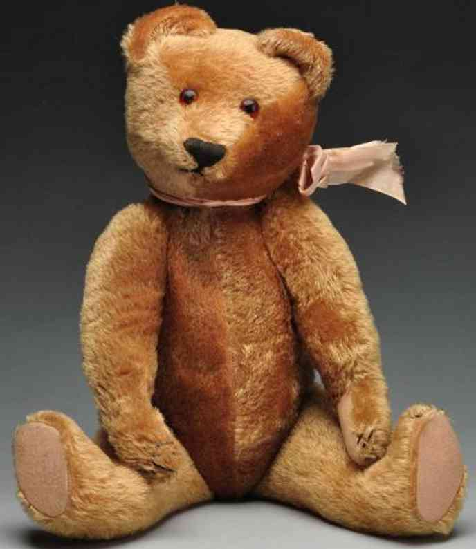 Aetna Toy Animal Co teddy bear with five claws