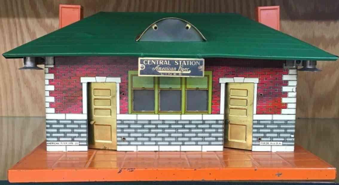 american flyer toy company 102 toy railway station orange green
