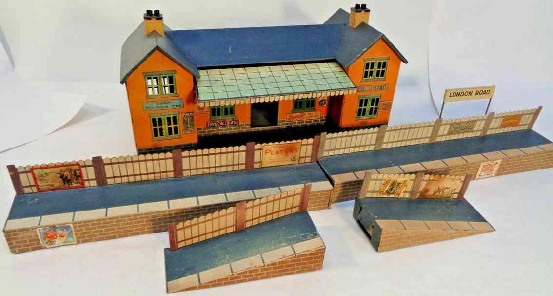 bing 10/6136 e london road toy railway station two additions