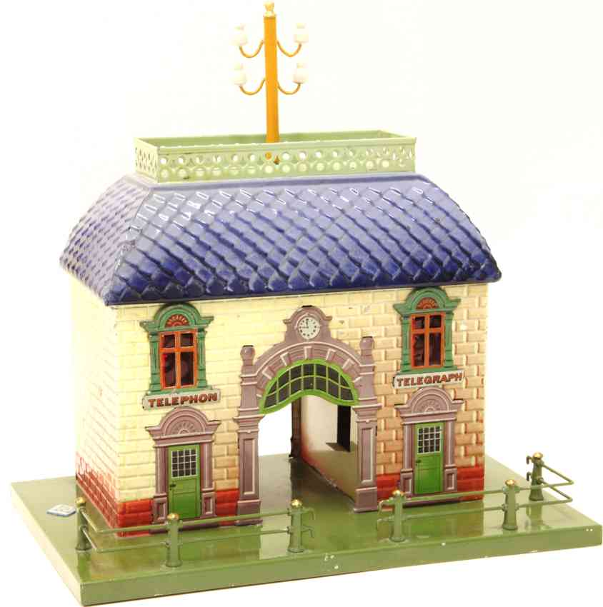bing 10/63 tin toy railway station with middle passage blue
