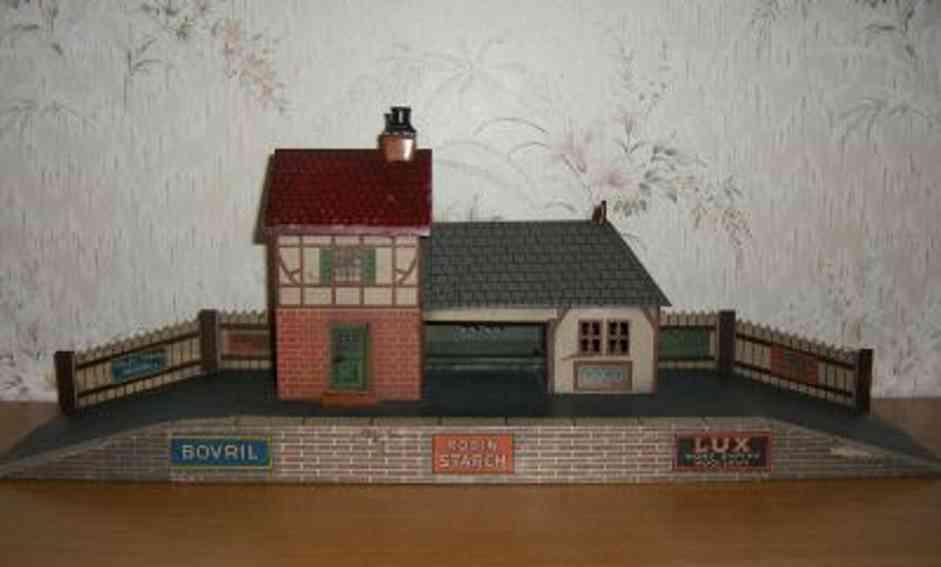 bing 60/647 1205930 toy english railway station