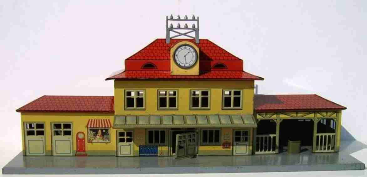 distler 116 spielzeug eisenbahn bahnhof mit glattem beigem mittelgebäude mit vordach, chroml