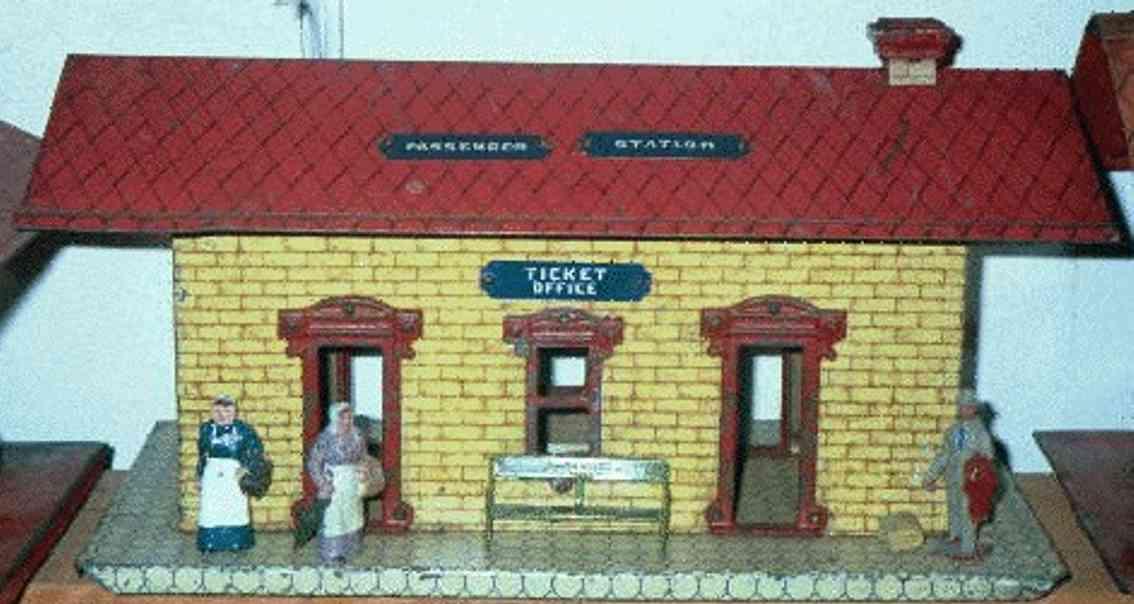 ives 114 1904 spielzeug eisenbahn bahnhof gelb rot weiß