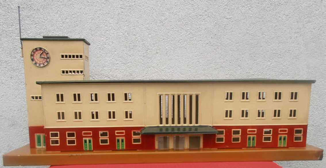maerklin 2015b spielzeug eisenbahn großstadt-bahnhof klingelbahnhof