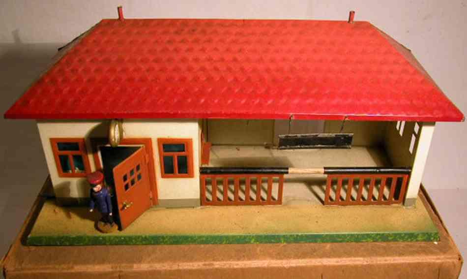 plank ernst 923 spielzeug eisenbahn landbahnhof mit schaffner und uhr