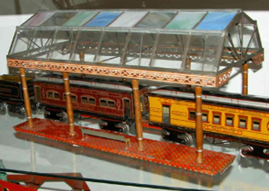 ives 121 (1905) spielzeug eisenbahn bahnsteig bahnhalle bahnsteighalle mit vier reihen à 8 also 32 unterschiedlichen