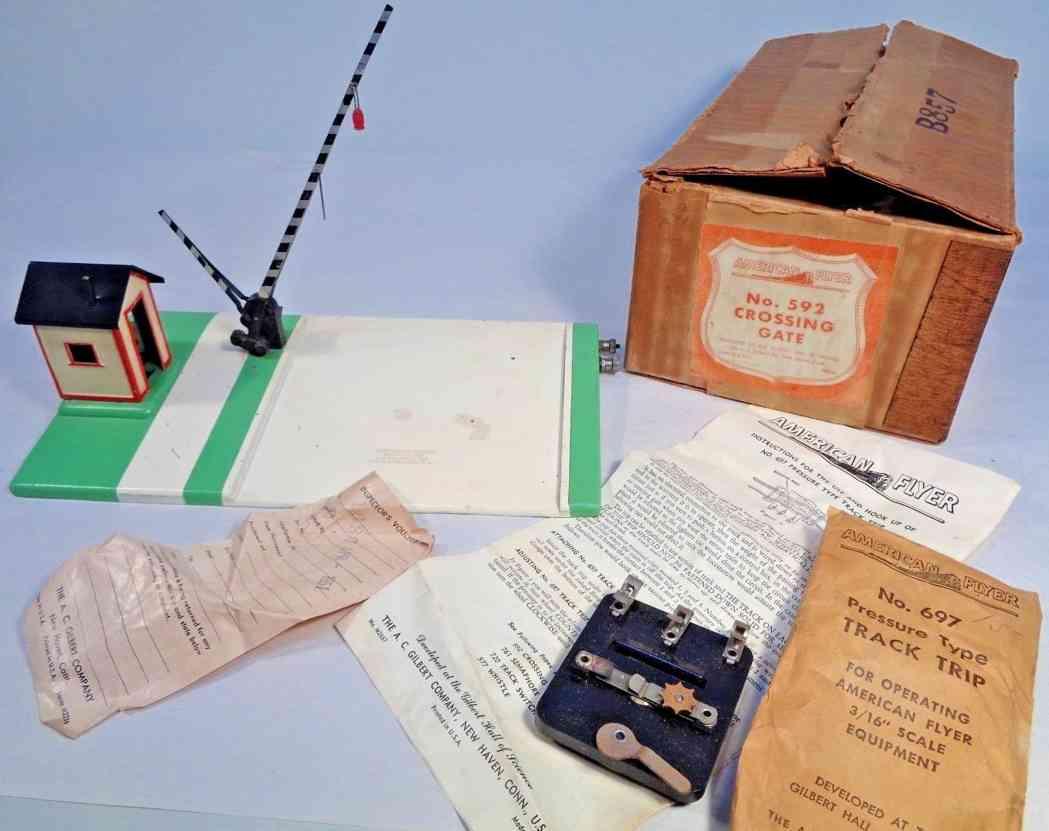 american flyer 592 railway toy line crossing accessory gatemans shack 697