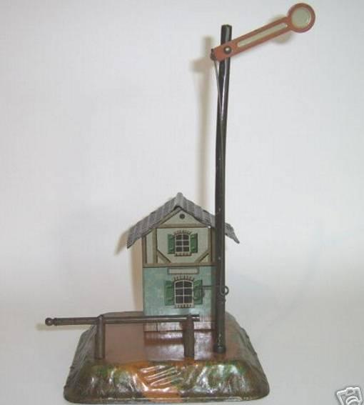 bing 10/64 spielzeug eisenbahn bahnwärterhaus auf geländesockel mit aufgestecktem flügelsig