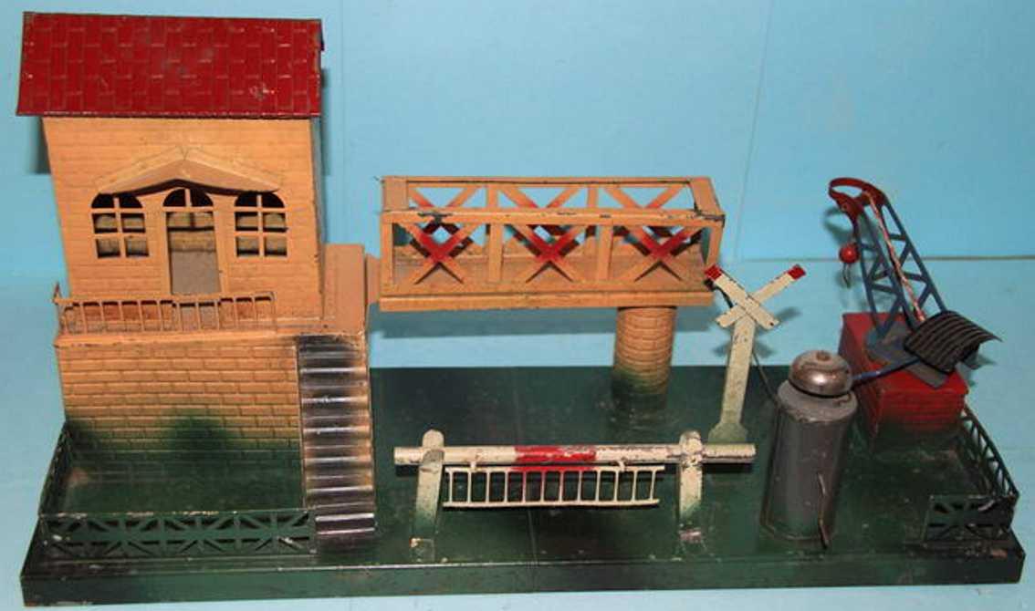 Gnadler Richard Verladestation mit Haus auf Sockel mit Brücke