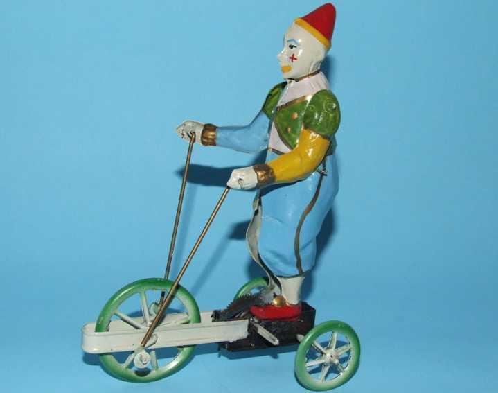 Doll Clown auf Dreirad