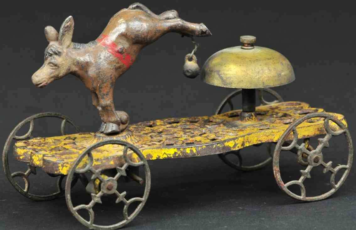 gong bell 42 gusseisen esel auf plattform als gockenspielzeug
