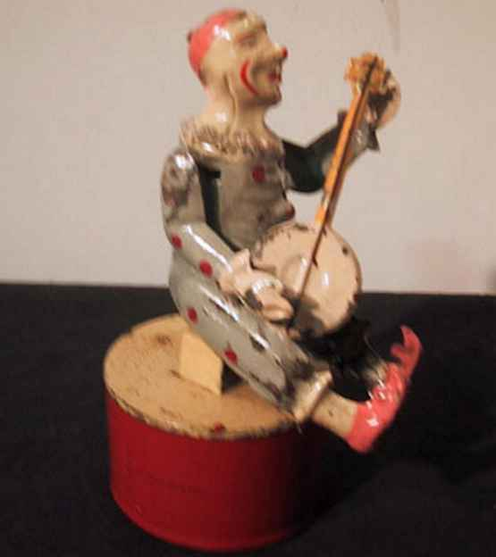 Guenthermann Clown hand-coated plays that banjo