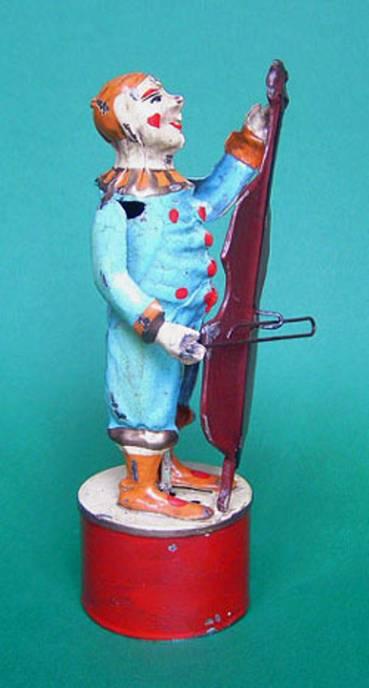 Guenthermann Clown playin Cello
