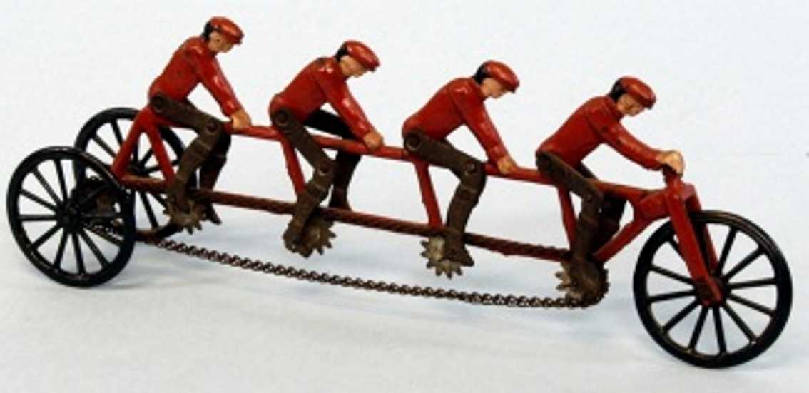 ives blech spielzeug fahrrad mit vier maennern