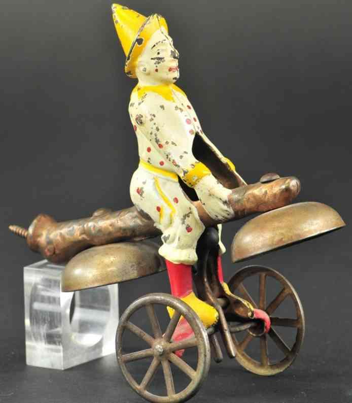 watrous mfg co glockenspielzeugspielzeug gusseisen figur clown zweiglocken