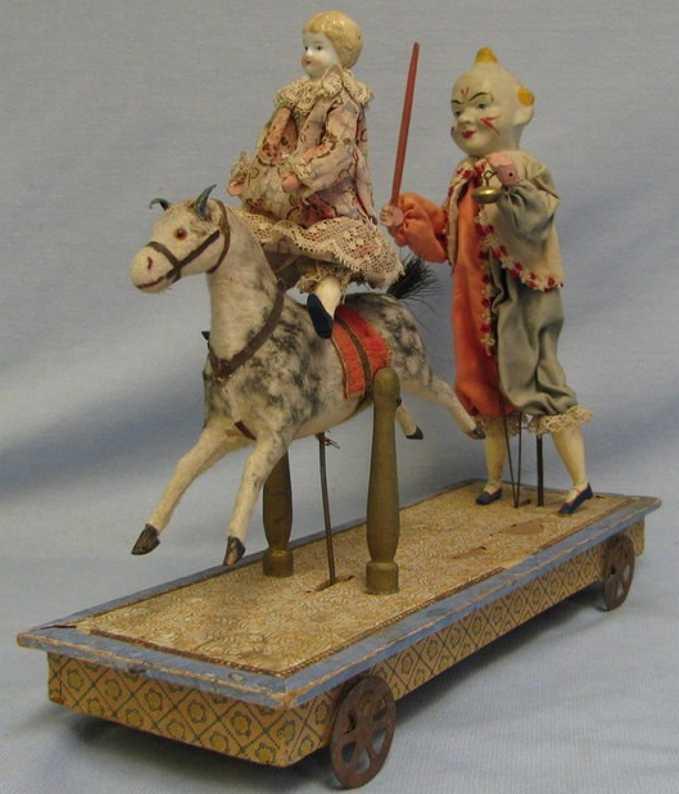 Zinner & Sohn Clown als Reitlehrer