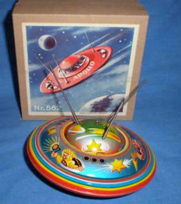 Blomer & Schüler 562 Flying saucer