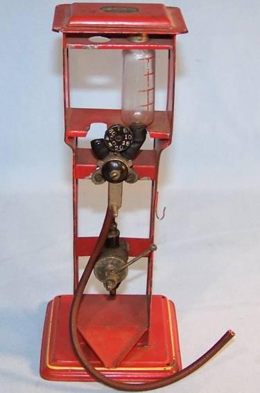 doll 870 blech spielzeug zapfsaeule standard rot