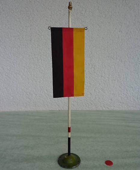 maerklin 2611 blech spielzeug fahnenmast mit deutschland-fahne