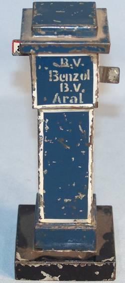 maerklin blech spielzeug zapfsäule aral blau-weiß handlackiert