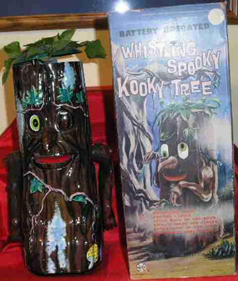 Marx Louis Whistling Spooky Kooky in der Winterbaumversion
