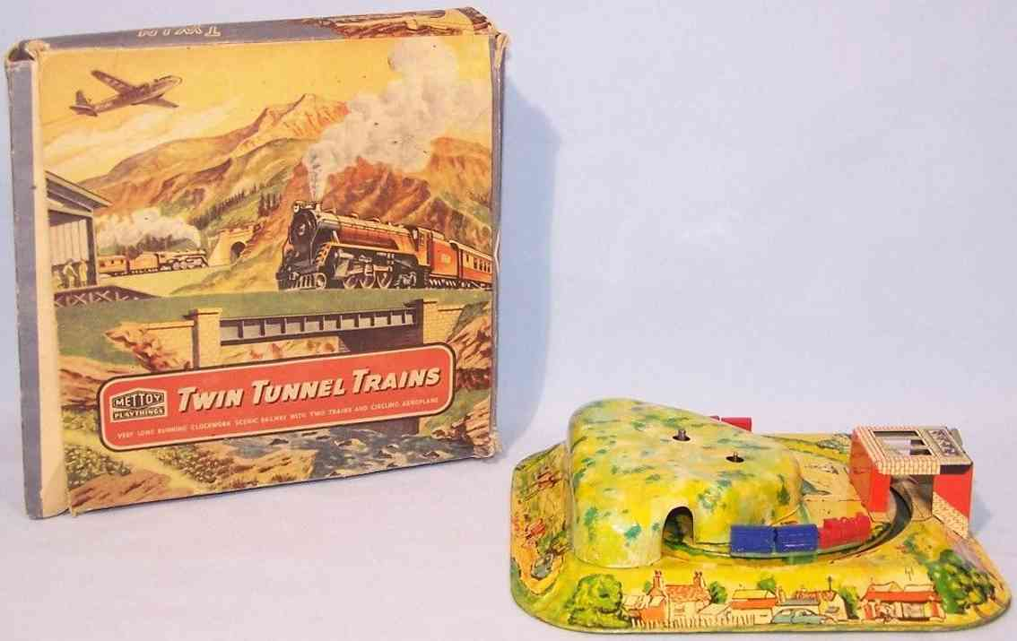 mettoy 6166 tin toy tin tunnel two trains plastic