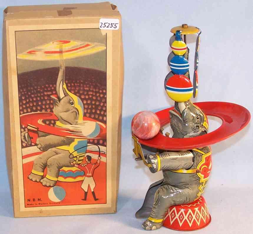 NBN Nürnberger Blechspielwaren Elefant als Jongleur