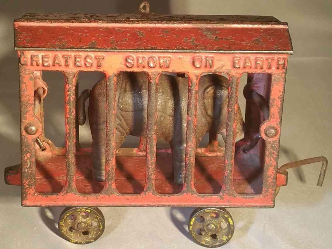 ives spielzeug gusseisen bodenlaeufer zirkuskaefigwagen baby elefant rot