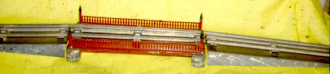 ives 101-2-3 (1921) spielzeug eisenbahn bruecke bücke mit elektrischen schienen, mit rampen in grau mit grün