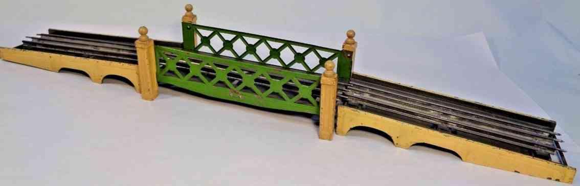 lionel 106 railway toy bridge center span 2 approach cream pea green ramps gauge 0